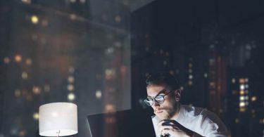 Es más productivo el autónomo que madruga o el que se queda hasta tarde