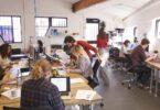 Por qué deberías cambiar más a menudo de lugar de trabajo
