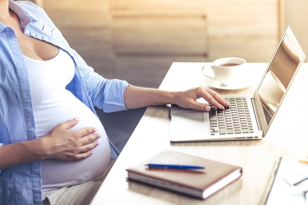 la baja por maternidad de una autonoma
